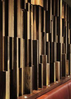 Hout toepassen op de muur is trendy en eyecatching! Houten wandbekleding is verkrijgbaar bij BVO Vloeren, houten vloeren en parket