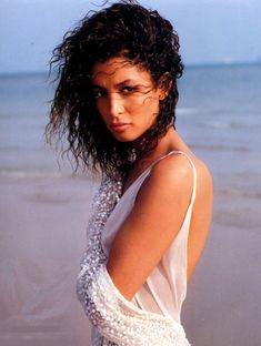 Kara Young par Sante D'Orazio, VOGUE UK, Juin 1989.