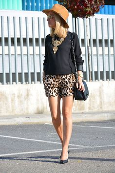 Look: Shorts animal print - omelocotton - Trendtation Short Outfits, Spring Outfits, Short Dresses, Casual Outfits, Cheetah Shorts, Look Con Short, Animal Print Outfits, Mommy Style, New Wardrobe