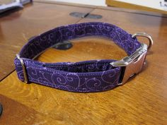 How to make your own fabric wrapped flat collar – German Shepherd Dog Forums - Dog Collar Cool Dog Collars, Diy Dog Collar, Collar And Leash, Cat Collars, Diy Dog Blankets, Dog Clothes Patterns, Sewing Patterns, Dog Crafts, Sewing Crafts