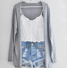 We have gathered together 15 adorable Spring outfits for those cool breezy perfect Spring nights. These outfits are perfect for those walk on the boardwalk at night with the cool wind blowing or just a casual night sitting outside talking with friends. Fashion Moda, Look Fashion, Teen Fashion, Fashion Outfits, Womens Fashion, Indie Fashion, Fashion Clothes, Cali Fashion, Fashion Shorts