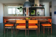 02-decoracao-arquitetura-modernista-jantar-piso-ladrilhos