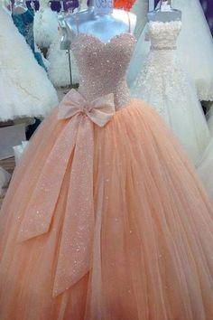 Tendencia vestidos de 15 años. Fotos vestidos, vestidos de princesa. Ideas, tendencias y diseños para tus 15 años. Los mejores vestidos de quince años. Modest Prom Gowns, Pink Prom Dresses, Tulle Prom Dress, Quinceanera Dresses, Pink Dress, Quince Dresses, Lace Ball Gowns, Ball Gown Dresses, Evening Dresses