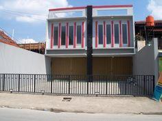 60 Desain Ruko 2 Lantai Minimalis dan Modern | Desainrumahnya.com Creative Home, Little Houses, Minimalist Home, Custom Bikes, Rooftop, Modern Design, Stairs, House Design, Projects