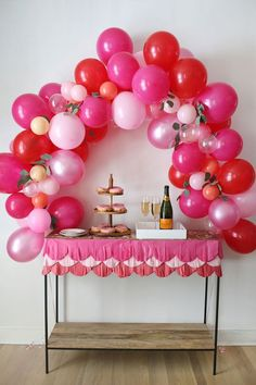 How to Make a Fancy Balloon Arch (A Beautiful Mess)