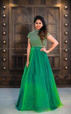 Indian Gowns Dresses, Indian Fashion Dresses, Indian Designer Outfits, Designer Dresses, Designer Wear, Indian Outfits, Long Gown Dress, Frock Dress, Long Dress Design