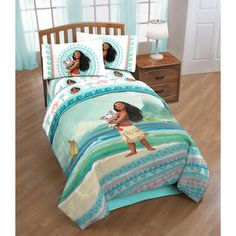 Redesign your child's bedroom with this fun bedding set featuring Disney's Moana film. Available for twin size mattresses, this bedding features images of Moana and Pua the Pig across an ocean colored Toddler Sheet Set, Toddler Bed Sheets, Toddler Comforter, Twin Comforter Sets, Kids Bedding Sets, Best Bedding Sets, Teen Bedding, Twin Size Bed Sets, Moana Disney