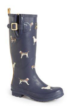 Super cute! Love these dog print rain boots.