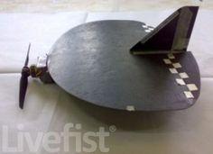 ブラックカイト(Black Kite)。インドにあるDRDO(国防研究開発機構)などが開発したUAV(無人航空機)の一つ。フレームは繊維強化ポリマーなどで構築され約30分間の滞空時間を持つとのこと。上空からの監視に対応する。