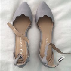 Dress Shoes Bridesmaid Flats Shoes Unique Chinese Laundry Strappy Gray Flats Never Worn Pretty Shoes, Cute Shoes, Me Too Shoes, Cute Flats, Bridesmaid Shoes Flat, Fashion Models, Fashion Shoes, Sneakers Fashion, Fashion Outfits