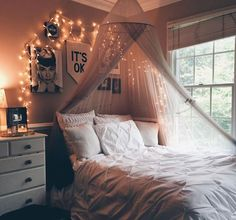 Bedroom ideas for small rooms cozy, cozy teen bedroom, cozy dorm room, bedr Cozy Teen Bedroom, Bedroom Ideas For Small Rooms Cozy, Cozy Dorm Room, Cute Bedroom Ideas, Cute Room Decor, Small Room Decor, Small Room Bedroom, Awesome Bedrooms, Room Decor Bedroom