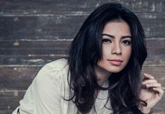 'Contessa' lead actress Glaiza De Castro ranted about the deduction on talent fee that one can get because of being late. Deduction, Actresses, Long Hair Styles, Celebrities, Beauty, Female Actresses, Celebs, Long Hairstyle, Long Haircuts
