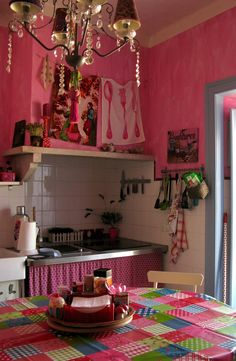 I do love pink kitchens!