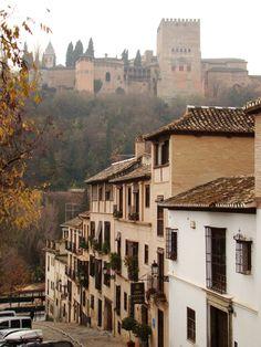 Granada, tierra soñada por mi. Tu cantar se vuelve gitano cuando es para mi!