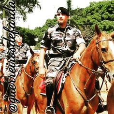 Policial Militar @papamikediego @papamikediego @papamikediego #policialmilitar #police #pm #servireproteger #policiamilitar #papamike #brasil #qap #pmmg #militar #homensnapolicia #policiacomunitaria #policiadopovo #militares #forçaehonra #policiaminhavida #orgulhomilitar #190 #polícia #cop #military #sheriff #policeofficer #justice #caveira #policial #facanacaveira #guerreirosdefarda #herois #prepmare by guerreirosdefarda