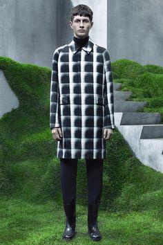 See the Balenciaga autumn/winter 2015 menswear collection