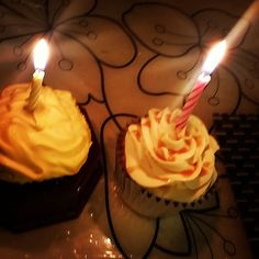 2 cupcakes, 2 candles and lots of love. Thats all you need to make your anniversary a special one! Anniversary Cupcakes, Anniversary Gifts, Red Velvet Cupcakes, Birthday Cupcakes, Birthday Candles, Singapore, Make It Yourself, Desserts, How To Make
