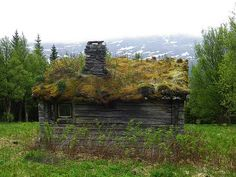 You might find hobbits in this au naturel home in Ottsjö county of Jämtland, Sweden. It blends perfectly into the lush landscape. All construction materials are organic, except the glass windows.
