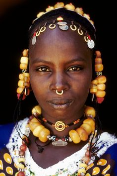 Africa | Fulani woman.  Ivory Coast | Photographer unknown Красива съм...