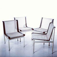 Set di 6 sedie a rete designer Richard Schultz produttore Knoll paese USA 1966 colori bianco marrone in metallo e plastica  #chair #chairs #design #vintage #interiordesign #architecture #modernariato #sedie #knoll #1966 #60s #modernism #spazio900design #minimal #instadesign  http://ift.tt/1Q7liXS