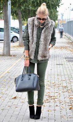 Look: Colete de Pelo + Verde Militar - Moda it   Moda It  Milital + Colete de Pelo Cinza + Skinny Verde + Camisa Verde + Botinha Cano Baixo