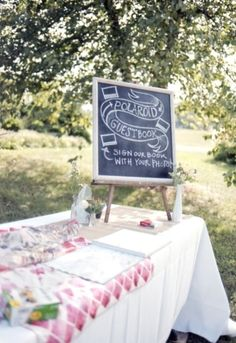 I love this idea for a guest book. its like a guest book and photo booth in… Lodge Wedding, Chic Wedding, Wedding Blog, Wedding Details, Wedding Planner, Our Wedding, Wedding Ideas, Dream Wedding, Wedding Stuff