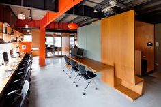 Industrial yet not cold.      Smart office interior design ideas to perk up your workplace