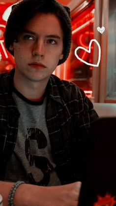Riverdale Wallpaper Removal – A Quick and Easy How-To A word of warning upfront, if you have a wallp Cole M Sprouse, Cole Sprouse Funny, Cole Sprouse Jughead, Dylan Sprouse, Bughead Riverdale, Riverdale Funny, Riverdale Memes, Dylan E Cole, Cole Sprouse Lockscreen