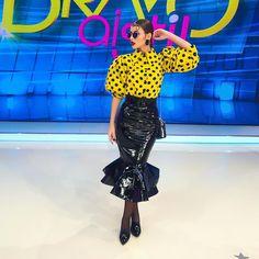 """7,736 aprecieri, 44 comentarii - Iuliana-Bravo ai stil (@iulianadoroftei) pe Instagram: """"Buna seara dragii mei❤️ Zilele astea au fost putin mai dificile pentru mine si nu am mai postat,…"""" Sequin Skirt, Sequins, Skirts, How To Wear, Instagram, Fashion, Moda, Fashion Styles, Skirt"""