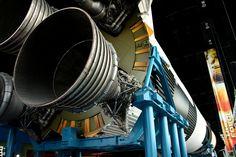 Saturn V back | von PHD Photography Nasa Rocket, Soyuz Spacecraft, Apollo Space Program, Rocket Engine, Apollo Missions, Space Travel, Photography Photos, Engineering, Moon