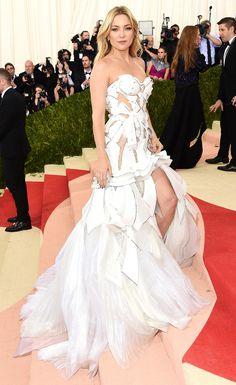 Met Gala 2016: Every Gorgeous Look on the Manus x Machina Red Carpet | People - Kate Hudson in Atelier Versace