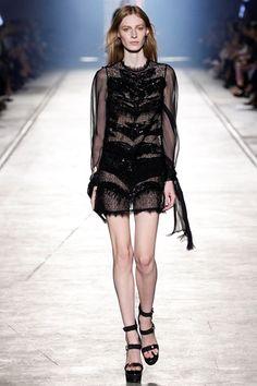 Sfilata Versace Milano - Collezioni Primavera Estate 2016 - Vogue