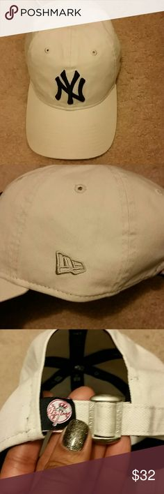 PRICE FIRM!!NEW ERA EXCLUSIVE NY YANKEE CAP Brand new, never worn,  Perfect condition. NEW ERA exclusive classic 920  . One Size fits all. Adjustable strap. Looks great on Ladies. 100% Algodon. Colors are Oatmeal and NY LOGO is Yankee Blue, limited edition color. New Era Accessories Hats
