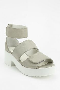SOLES Kiedis Caged Platform Sandal