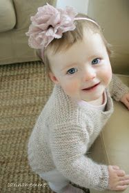 carinahjemmet: Skappelgenser til Josefine Baby Outfits, Cardigan Bebe, Sweater Knitting Patterns, Knit Crochet, Diy And Crafts, Baby Boy, Diy Projects, Children, Inspiration