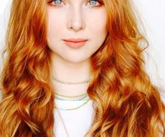 Molly Quinn is stunning No Doubt