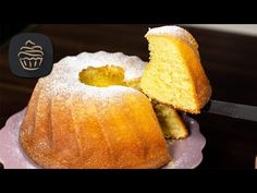 Der saftigste Guglhupf aller Zeiten 😍 - Obers Guglhupf Rezept - YouTube Kenwood Cooking, Alsace, Mole, Mac And Cheese, Biscotti, Cornbread, Food Porn, Ethnic Recipes, Desserts