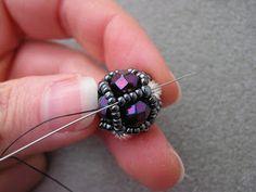 Damselfly Gemma: RAW beaded bead earrings. #Seed #Bead #Tutorials