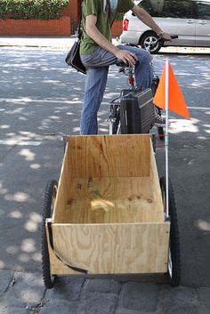 How to Make a Bike Trailer from Scratch Kayak Trailer, Bike Trailers, Bike Wagon, Bike Cart, Bike Food, Velo Cargo, Utility Trailer, Bicycle Accessories, Bicycle Design