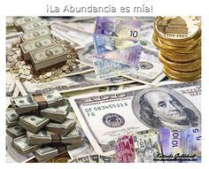 ¡LA ABUNDANCIA ES MÍA! Con la guía de Dios en mí, mi vida está llena de éxito, alegría y rica abundancia. http://decretosyafirmaciones.com/la-abundancia-es-mia/