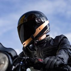 Urban Rider has commissioned two limited edition designs and colourways of the ever-popular full-face BELL Bullitt helmet - now available for pre-order. Motorcycle Helmet Design, Full Face Motorcycle Helmets, Motorcycle Style, Motorcycle Outfit, Deep, Bell Helmet, Black Helmet, Custom Cafe Racer, Bike Design