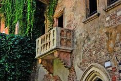 Romeo & Juliet, the most powerful love story in western culture which Asolando permits you to experience.