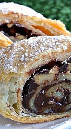 Mother's Chocolate Strudel - Just 4 ingredients: sheet of puff pastry, chocolate chips, walnuts and butter. I had no idea strudel was this easy to make! ❊ Mother's Chocolate Strudel only has 4 ingredients and it comes together in about 15 minutes. Köstliche Desserts, Chocolate Desserts, Delicious Desserts, Dessert Recipes, Chocolate Chips, Chocolate Fudge, Mint Chocolate, Plated Desserts, Chocolate Baklava