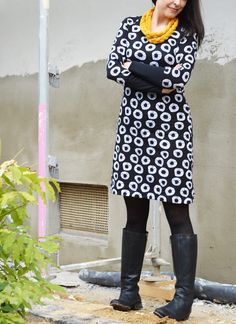Ottobre raglan cut with great sleeves and beautiful fabric skirt skirt skirt skirt outfit skirt for teens midi skirt Raglan Shirts, Easy Sewing Patterns, Clothing Patterns, Dresses For Teens, Simple Dresses, Easy Dress, Sewing Clothes, Diy Clothes, Dress Sewing