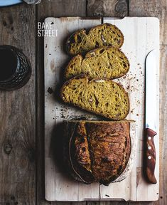 Carrot Bread, sourdough bread adapted from the traditional and classic Carrot Cake. Made with rye, semolina, wheat, tritordeum and carrot juice. Bread Bun, Pan Bread, Bread Rolls, Bread Baking, Sourdough Recipes, Sourdough Bread, Bread Recipes, Whole Food Recipes, Yeast Bread