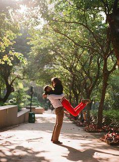 7 Ideas For A Creative Pre-Wedding Photoshoot Wedding Tips, Wedding Ceremony, Pre Wedding Photoshoot, Phuket, Wedding Planner, Japan, Creative, Hong Kong, Photographs