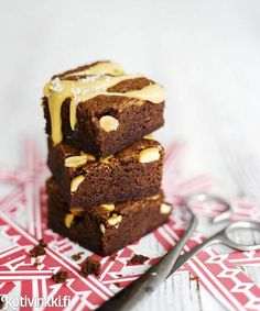 These delicious chocolate brownies are sweet and a bit salty at the same time. Chocolate Heaven, Sweet Pie, Brownie Cookies, Chocolate Brownies, Food Styling, Sweet Recipes, Good Food, Goodies, Sweets