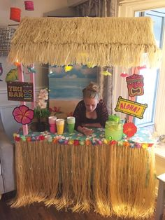 How to Make your own Tiki Bar for your Luau Party. Fun Luau Party Decor at apurdylittlehouse… Aloha Party, Hawaiian Luau Party, Moana Birthday Party, Hawaiian Birthday, Luau Birthday, Tiki Party, Hawaiin Party Ideas, Hawaiin Theme Party, Hawaiian Tiki