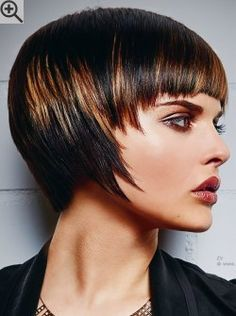 How To Cut A Pageboy Haircut - There are several long hairstyles for those with long hair, whether it is crimpy, curly, or s Pageboy Haircut, Fringe Haircut, Bob Haircut With Bangs, Short Bob Haircuts, Medium Short Hair, Short Hair With Layers, Short Hair Cuts, Shot Hair Styles, Long Hair Styles