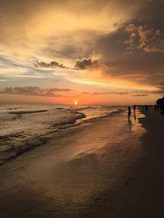 Anna Maria Island, FL Florida Girl, Florida Usa, Florida Travel, Florida Beaches, Travel Usa, Most Beautiful Beaches, Beautiful Places, Beautiful Sunset, Anna Maria Island